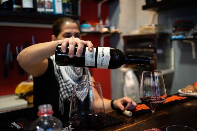 Cómo se deben guardar los vinos
