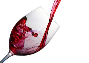 Copa de vidrio con vino